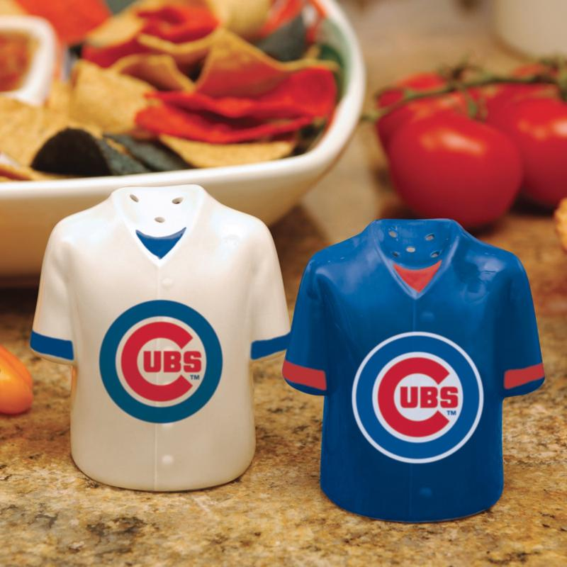 MEMORY Company Ceramic Salt and Pepper Shakers - Chicago Cubs